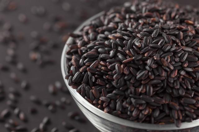 黑米中含有丰富的营养物质,在购买时候要注意区分优劣图3