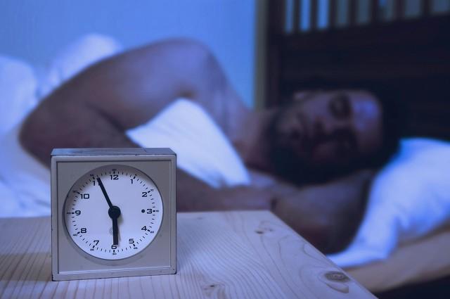 晚上睡觉总磨牙危害居然这些大 缓解磨牙的小窍门图1