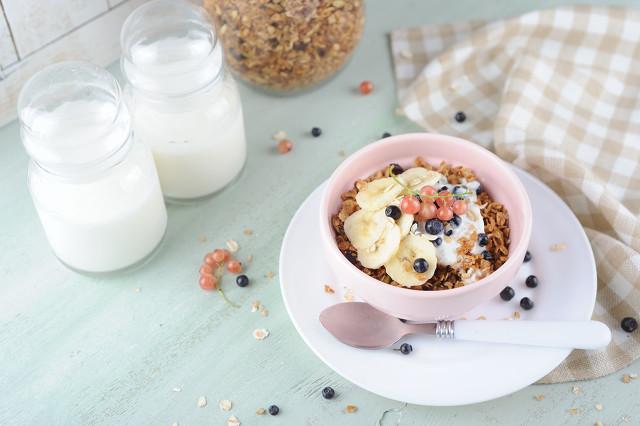 冬季酸奶怎么喝最有营养?喝酸奶时间大有讲究图3