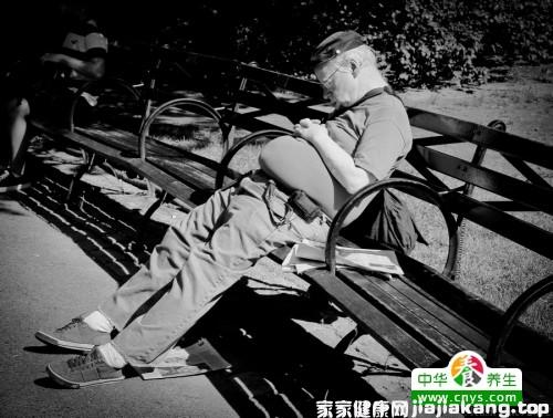 老人心绞痛咋整,日常生活该怎么护理