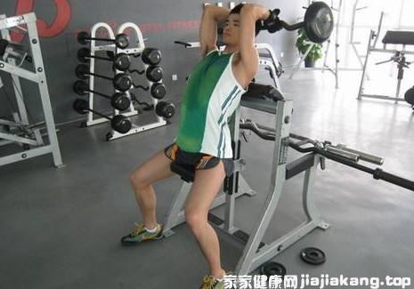 举杠铃会不会长不高 杠铃可以练肱二头肌吗图1