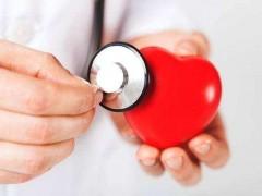 心脏健康人长寿,营养专家提醒:保护心脏要多吃这2种红色食物