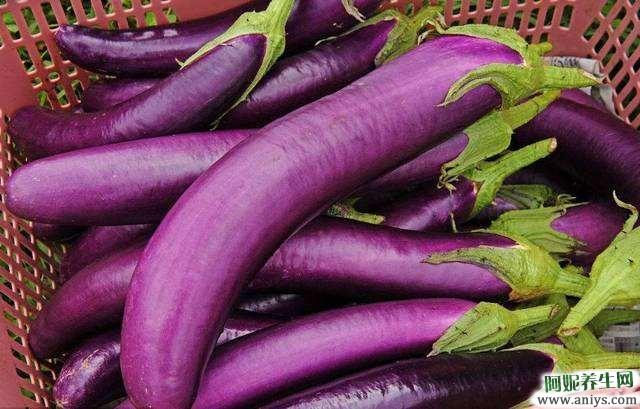 豆豉青椒炒茄子,又香又好吃,教你如何制作