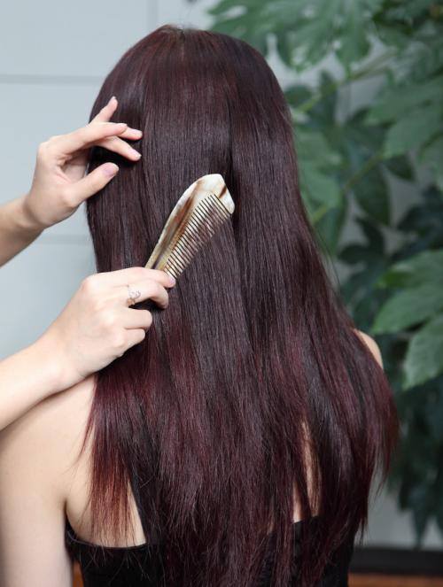 巧梳头,防脱发!想减少脱发别错过了