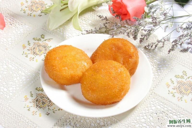 大家最喜欢吃的南瓜饼最简单的做法,一分钟就能学会,比外面卖的还好吃
