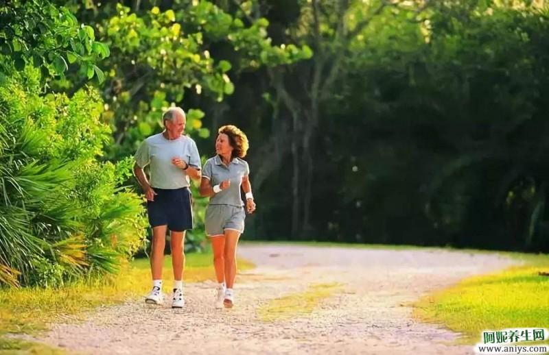 走路也算一种运动,若每天坚持下来,能迎来3个好处图1