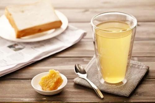 蜂蜜生姜水可淡化老年斑蜂蜜生姜水可淡化老年斑